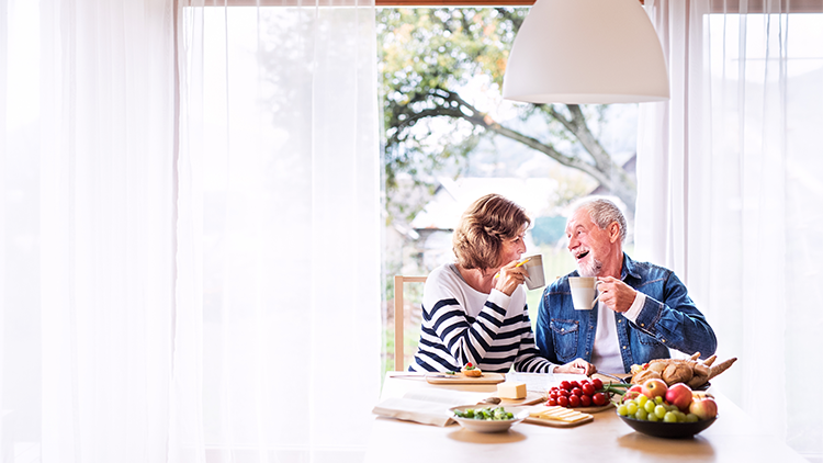 Senior living residents enjoying a healthy lifestyle based on these great tips!