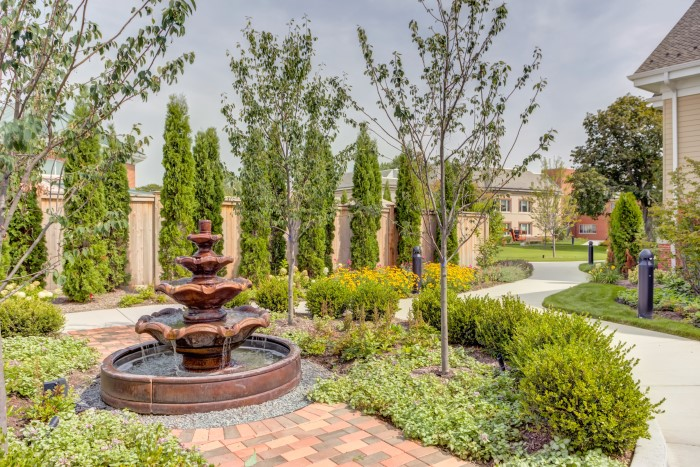 View of outdoor fountain and courtyard at Presbyterian Homes community